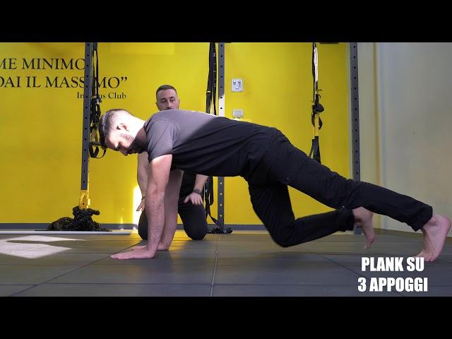 Plank su 3 appoggi. Esecuzione e tecnica.