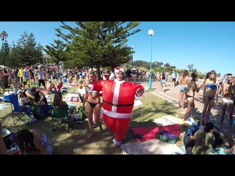 My First CHRISTMAS On The BEACH (Coogee) (Vlog #51)