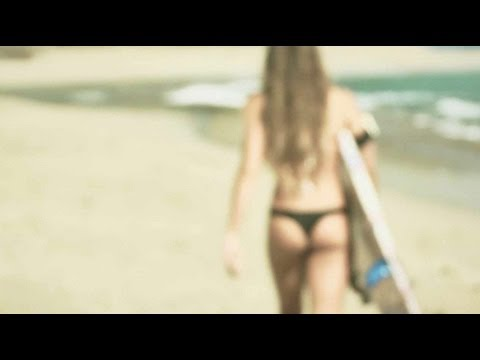 Surfer Girls filmed by SOLOSHOT