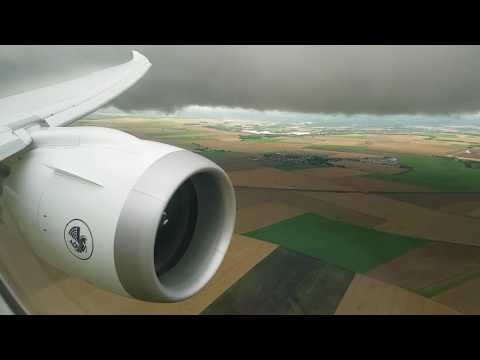 Landing and taxi - Paris CDG - Air France - B787-9