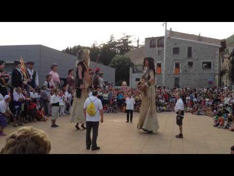 Dansa de Belgira dels Gegants prehistòrics de Moià.