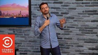 Stand Up Comedy: Scherzare su Tutto - Giuseppe Sapienza - Comedy Central