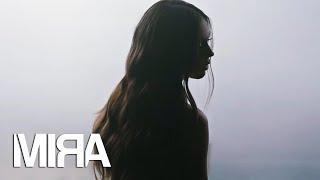 Gambar cover MIRA - Cum de te lasa (Official Video)