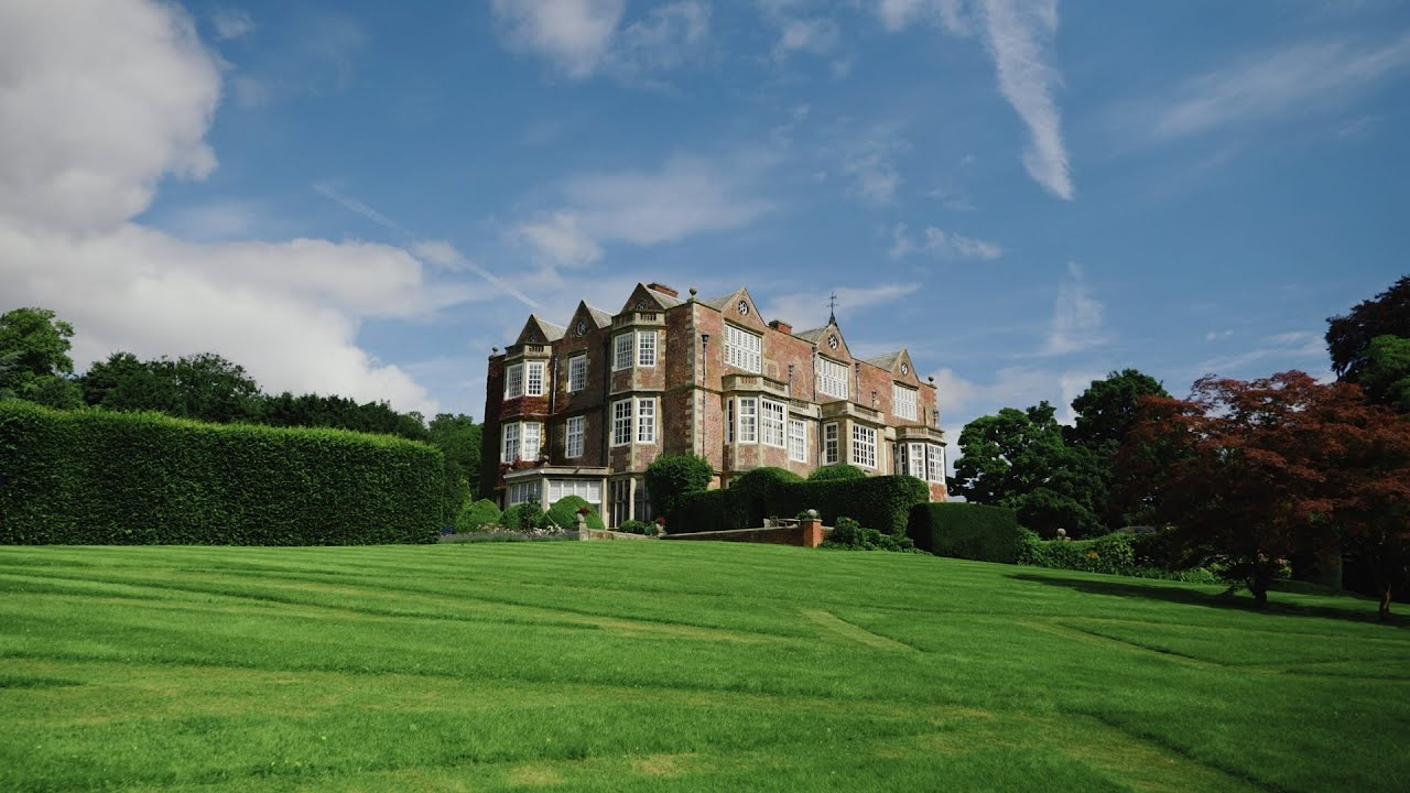 I'm now a Recommended Supplier at Goldsborough Hall!