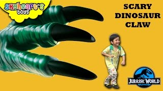 Hide and Seek from scary DINOSAUR CLAW | Jurrasic World Playtime dinosaur toys for kids