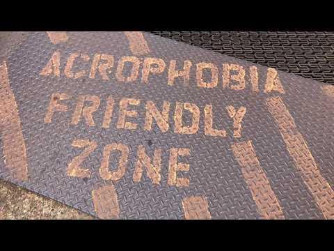 An acrophobia friendly zone bridge crossing