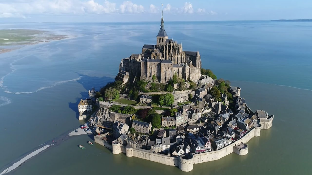Grande mar e au mont saint michel youtube for Au jardin st michel pontorson