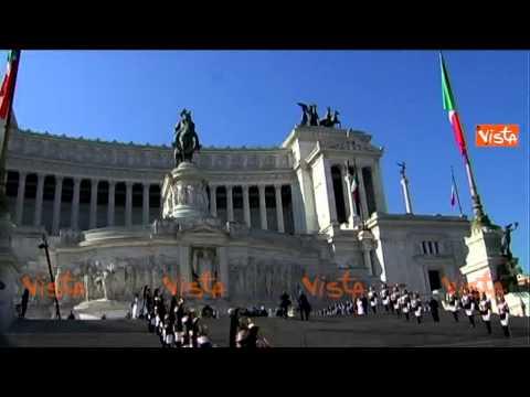 FESTA DELLA REPUBBLICA IL PASSAGGIO DELLE FRECCE TRICOLORI ALTARE PATRIA 02-06-15