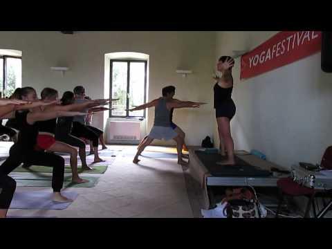 Yoga Flow Vinyasa balancing poses (2a parte) - Janine Claudia Nizza