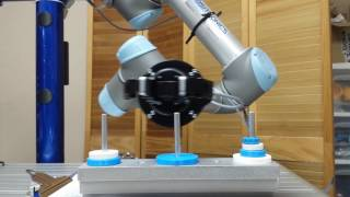 Tower Of Hanoi solved by a robot arm - Yosef Mirsky