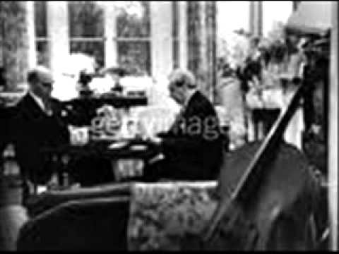 Solomon plays Brams Variations & Fugue on a Theme by Haendel Op. 24 (2/2)
