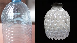 DIY: Como fazer luminária de garrafa pet e colheres de plástico linda