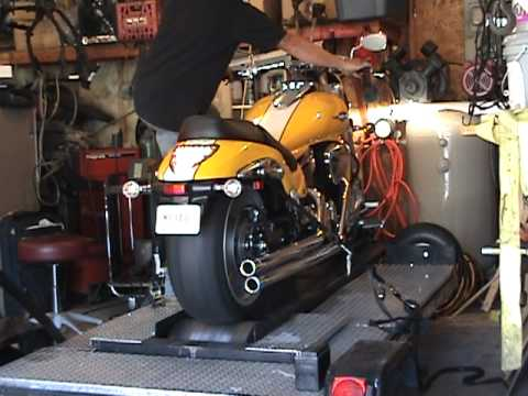 Rush Pipes On Suzuki M109 Rush Full Exhaust System by dyno mike