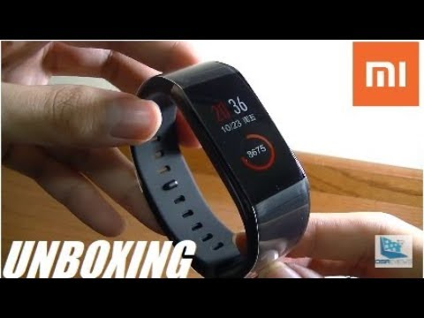 Unboxing: Xiaomi Amazfit Band (M) - Color Touchscreen!