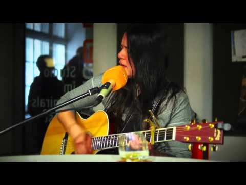 Rachael Yamagata - Be be your love live with acoustic Guitar