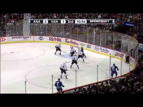 Vancouver Canucks vs Anaheim Ducks...