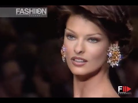 OSCAR DE LA RENTA Fall Winter 1992 1993 New York - Fashion Channel