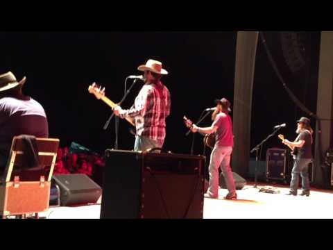Cody Jinks & His Tonedeaf Hippies - Dirt - Ranch Bash 2016