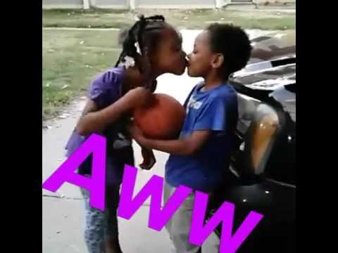 Kissing girls 308 - 2 1