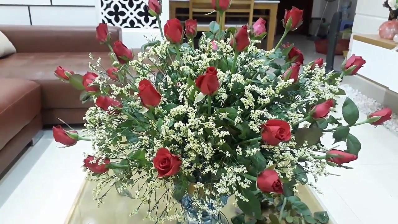 Kết quả hình ảnh cho cắm hồng và hoa salem
