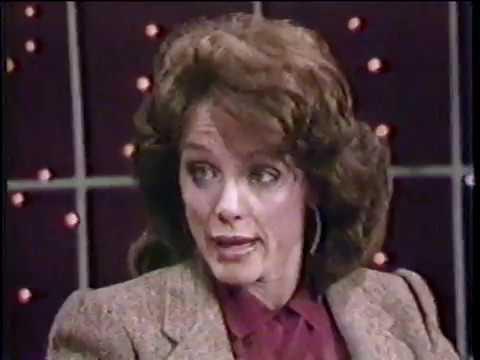 VALERIE HARPER - Rhoda from Mary Tyler Moore