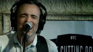 Fran Healy and Andy Dunlop of Travis - The Beautiful Occupation (Live on KEXP) Resimi