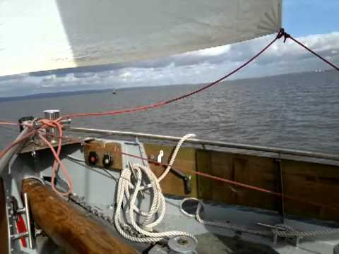 Gentle weather to sail - Lugger