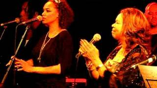 Candi Staton sings In the Ghetto