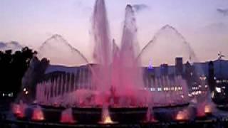 Поющий фонтан - Барселона(Поющий фонтан в Барселоне., 2010-07-03T18:56:54.000Z)