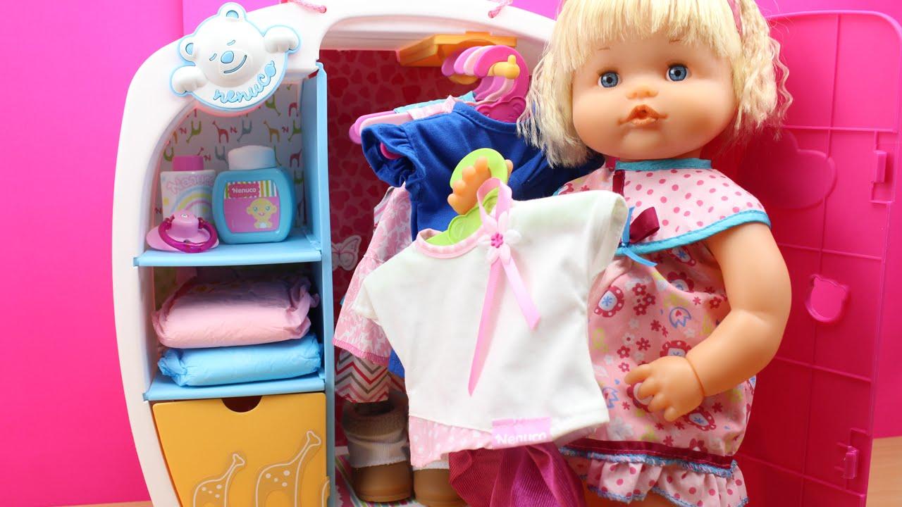 Ropa y accesorios para Beb Nenuco en espaol  Colocamos la ropa nueva de Daniela en el armario  YouTube