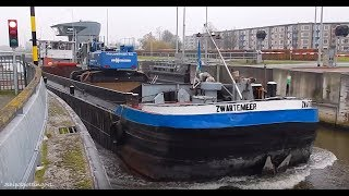 Close-Up Video of 'ZWARTEMEER', Leaving a Lock in #Groningen - #914NL ?