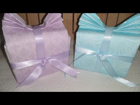 Making Wedding Favors / Homemade Paper Gift Bags