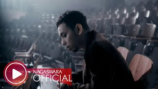 Download lagu Pongki Barata - Aku Milikmu (Malam Ini) (Official Music Video NAGASWARA) #music