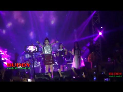 Via Vallen - Sayang - Aksi Sriwedari 2017 LIVE Alun - Alun Banyumas