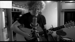 Holding Back The Fire - Michael Schulte | Live @ John Lennon Bus