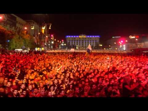 Queen спели в Харькове «Life Must Go On!» (2008)