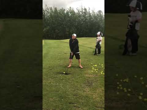 A proper golf swing