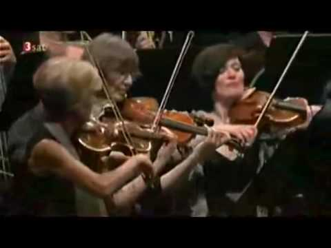 Andrés Orozco Estrada dirigiert Beethoven  Symphonie Nr 9 d Moll op 125 Styriarte Graz 2016