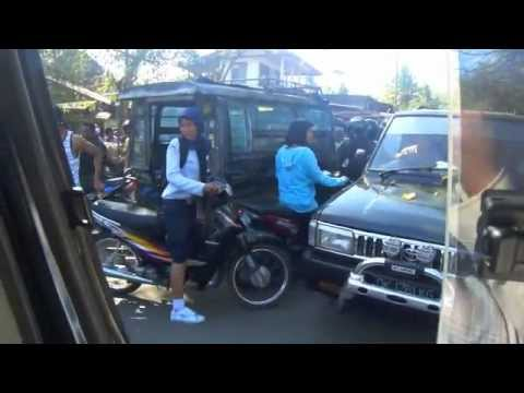 Pasar Sengkol (the Sengkol Markets), Lombok - the traffic jam; the craziness!