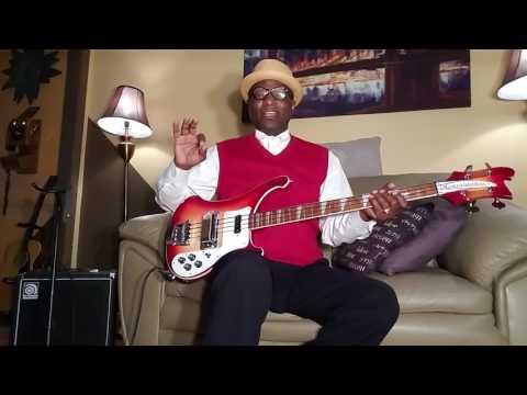 Rickenbacker FUNKY/THUMPING  Bass  demo
