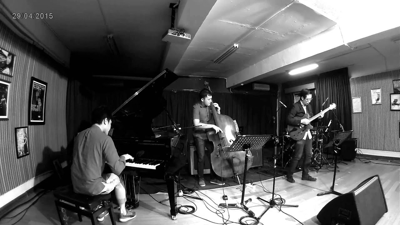 The Night Has a Thousand Eyes - Kevin Yosua Quartet Live @ UPH Conservatory