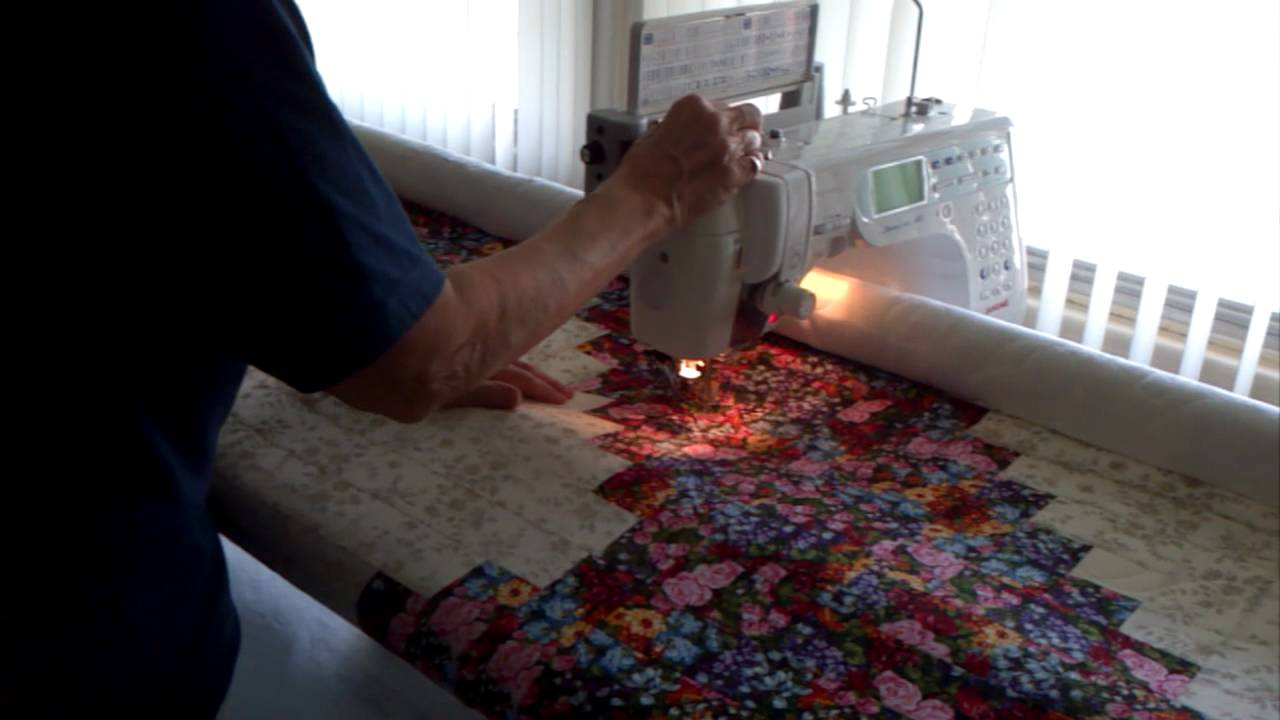Quilting my first quilt on my quilt frame - YouTube : proflex quilting frame - Adamdwight.com