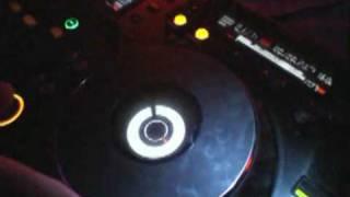 Видео урок №1. Как стать DJ! Всё о пульте!