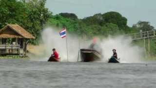 Repeat youtube video แข่งเรือ สนามดอนราว 21072013(8)