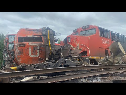 Massive head-on collision between freight trains in Prescott, Ont.