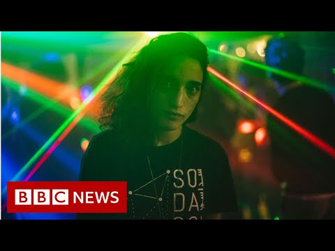 Raving in Palestine - BBC News