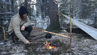 Backcountry Camping in the Cold - Campfire Cooking, Tarp Shelter, Bushcraft, Pot Hanger, Carving
