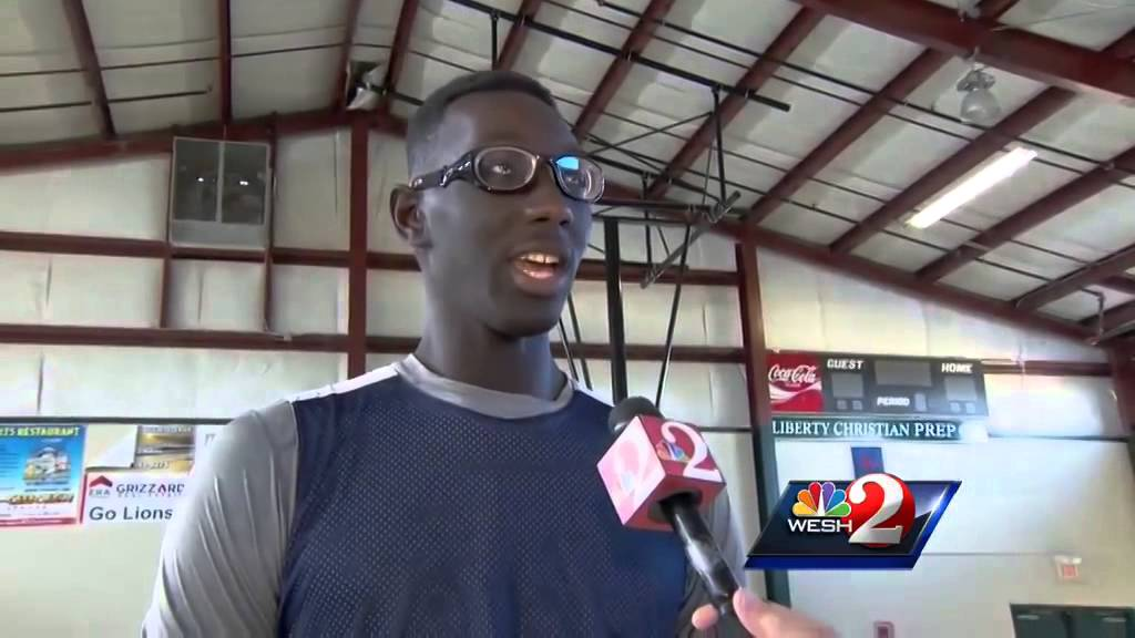7-foot-6 basketball player Tacko Fall commits to UCF - YouTube