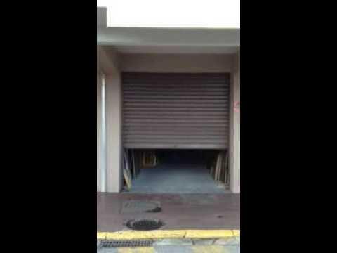 Motorisation rideau m tallique par apg acc s porte de garage youtube - Rideau metallique la toulousaine ...