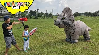 GIANT TRICERATOPS Chases Skyheart | Jurassic world action dinosaurs for kids toys
